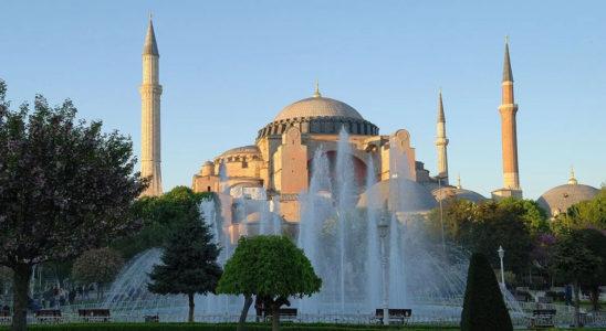 Rusça Diyalog - İstanbul'un Turistik Mekanlarının Gösterimi